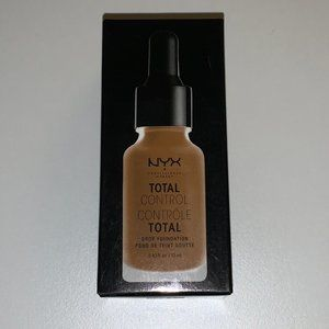 NYX Total Control Foundation 17.5